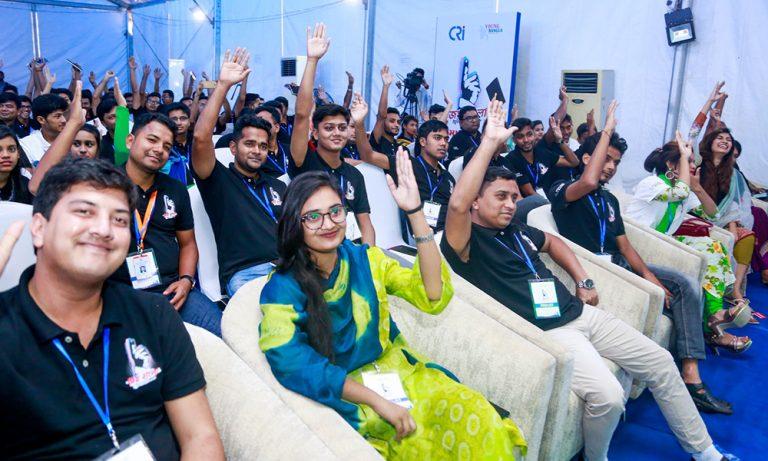 A charged-up day at the Joy Bangla Youth Award 2018 bootcamp